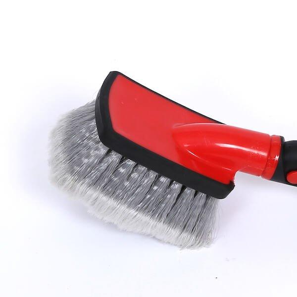 water flow thru wheel brush head
